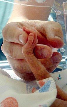 bebe-premature dans Echanges et fourre-tout